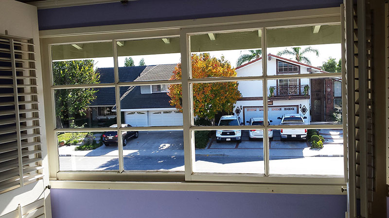 Picture of window after window cleaning in Huntington Beach by Blue Coast Window Cleaning Service.