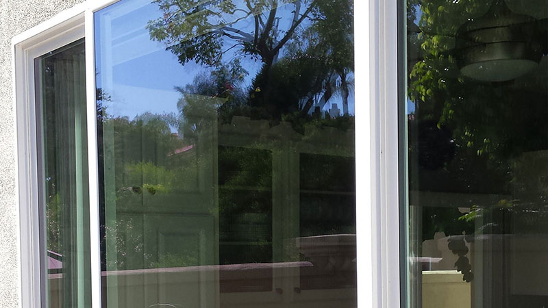 icture of window after window cleaning in Laguna Niguel by Blue Coast Window Cleaning Service.